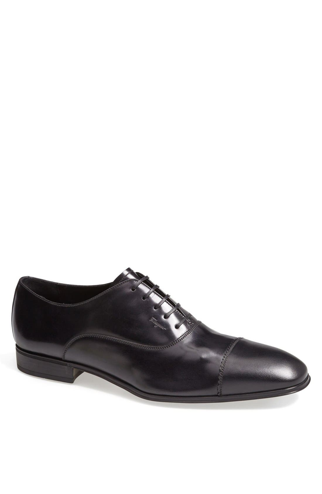 Main Image - Salvatore Ferragamo 'Remigio' Cap Toe Oxford (Men)