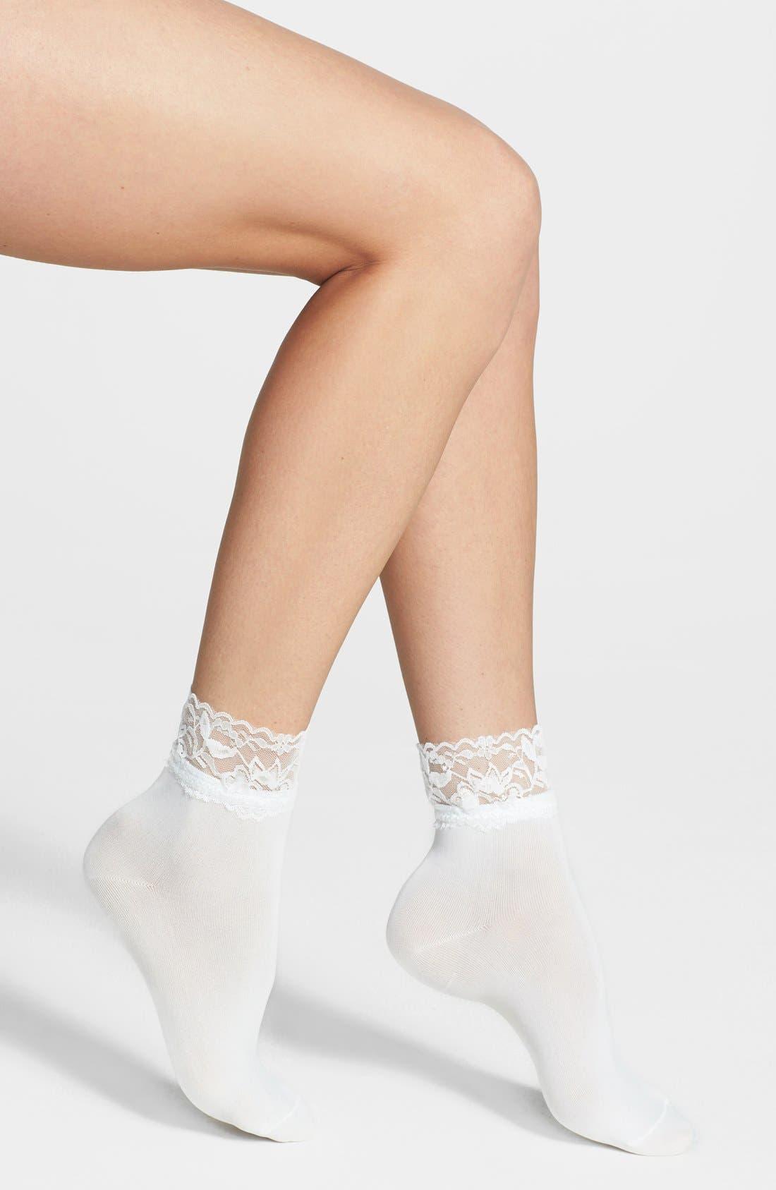 Main Image - kensie Lace Trim Anklet Socks