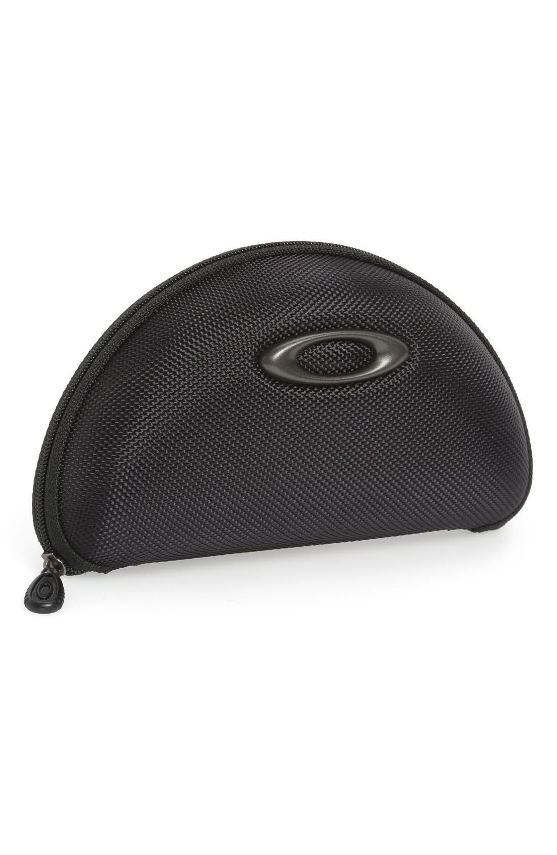 Main Image - Oakley 'Medium Soft Vault' Reinforced Nylon Sunglasses Case