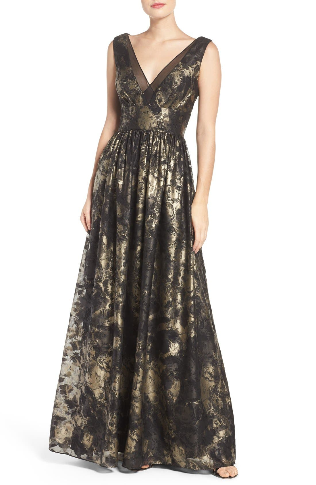Main Image - Vera Wang Metallic Fit & Flare Gown