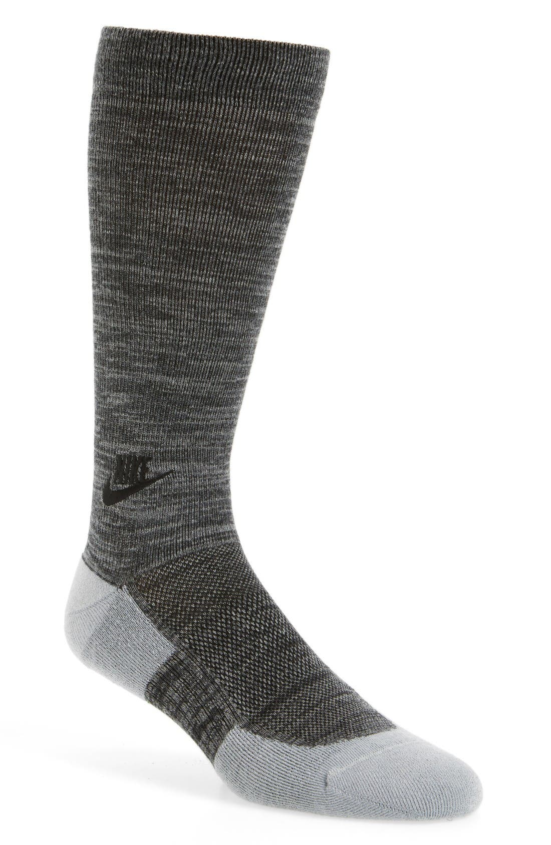 NIKE Lightweight Warmth Crew Socks