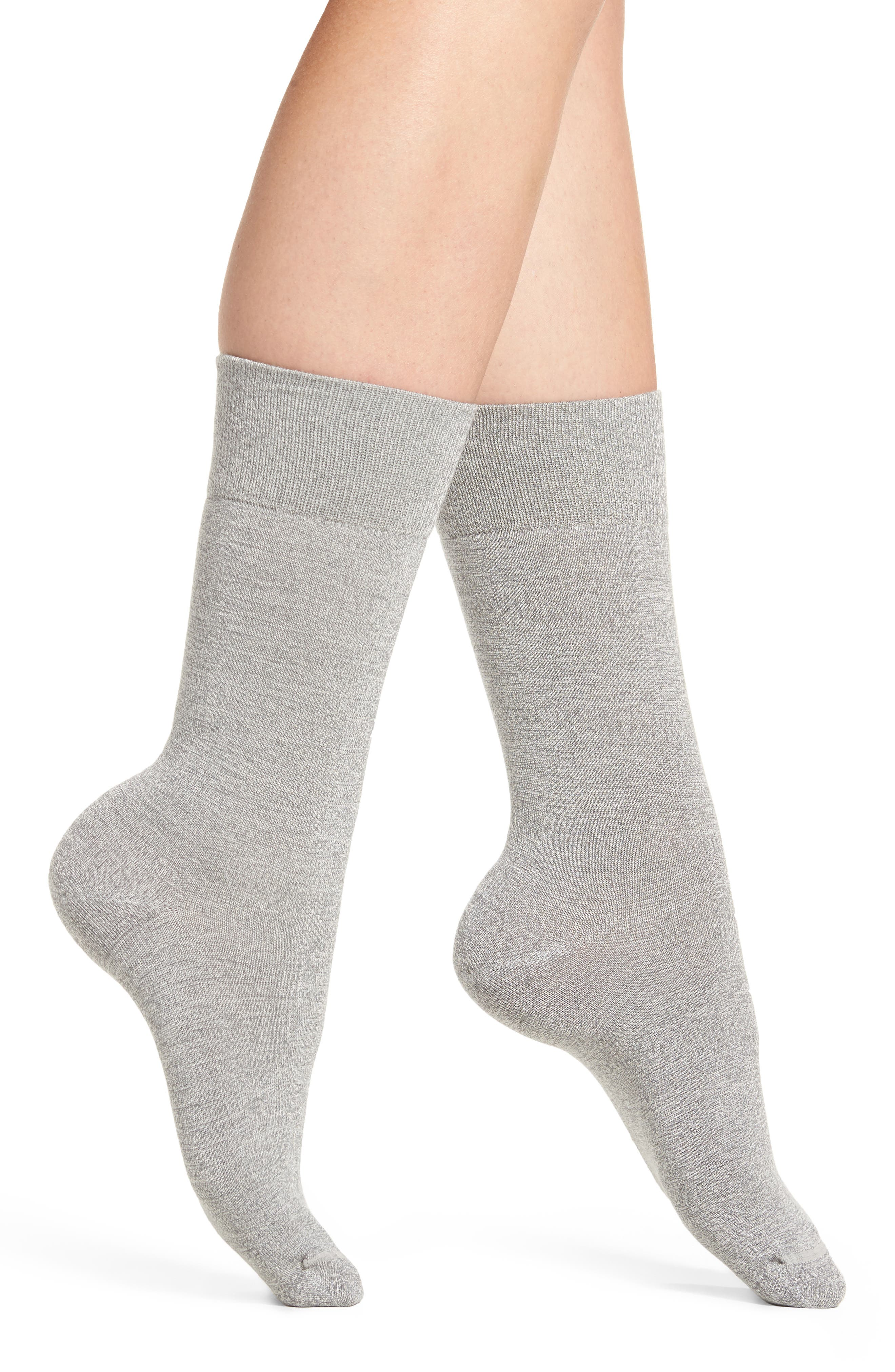 Main Image - Nordstrom Solid Crew Socks