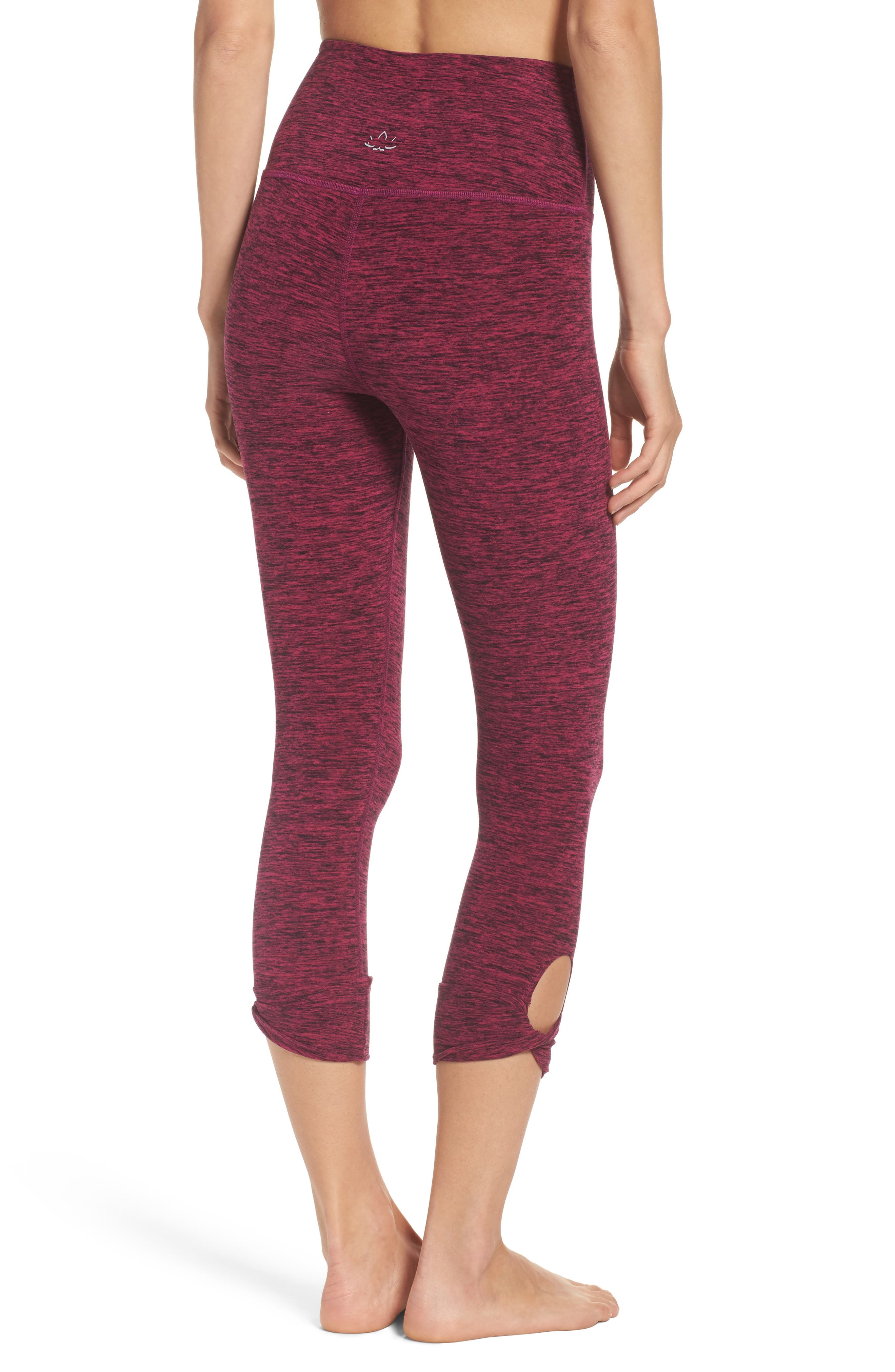 Beyond Yoga Twist & Shout High Waist Capris
