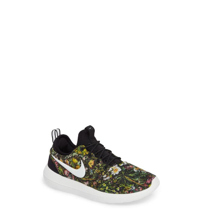 Cheap Nike Sportswear ROSHE TWO SI Zapatillas black / ivory.es