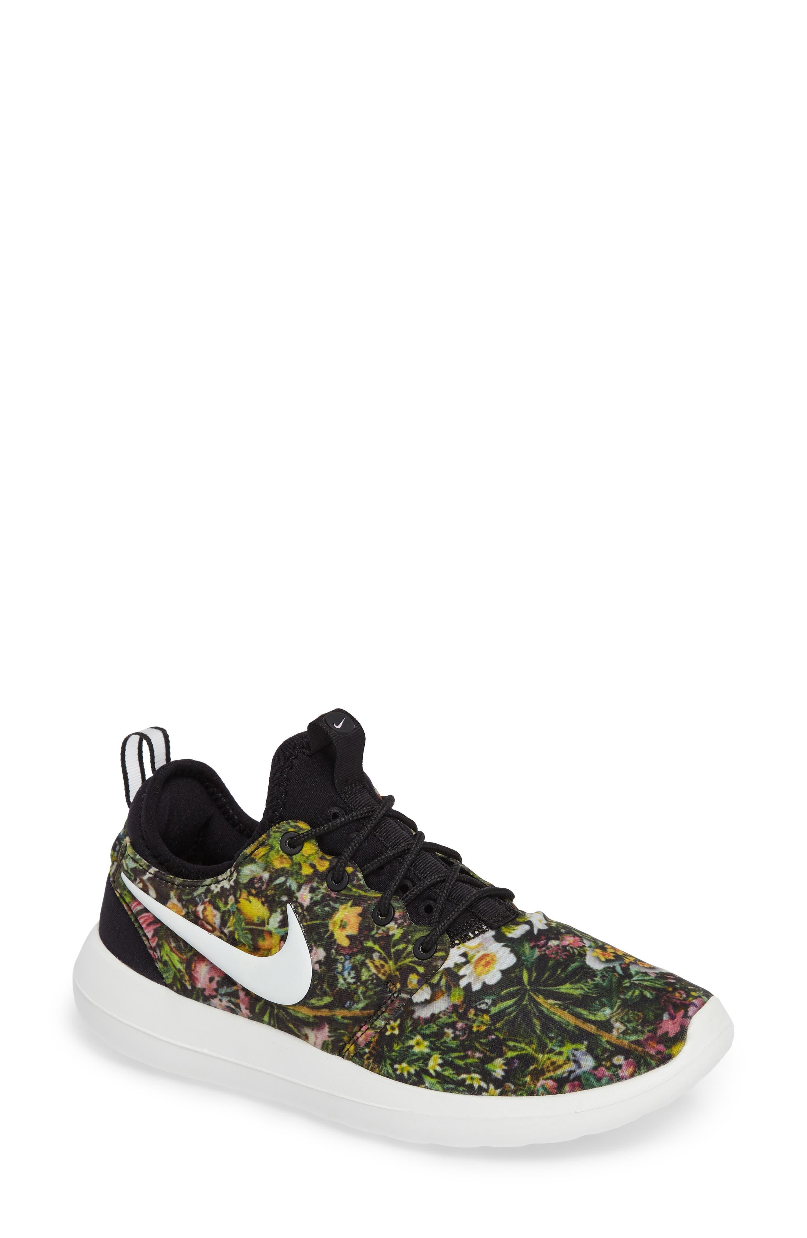 Nike Roshe Two Print Sneaker (Women)