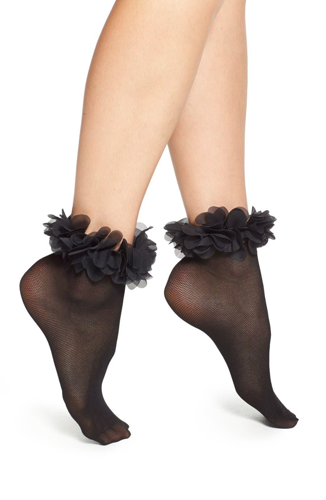 Alternate Image 1 Selected - Nordstrom 'Petal' Anklet Socks