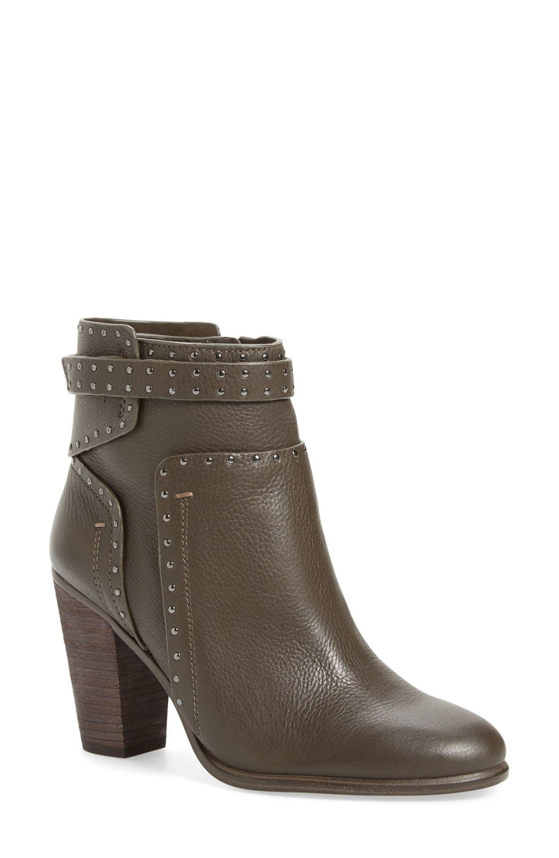 Alternate Image 1 Selected - Vince Camuto 'Faythes' Bootie (Women)