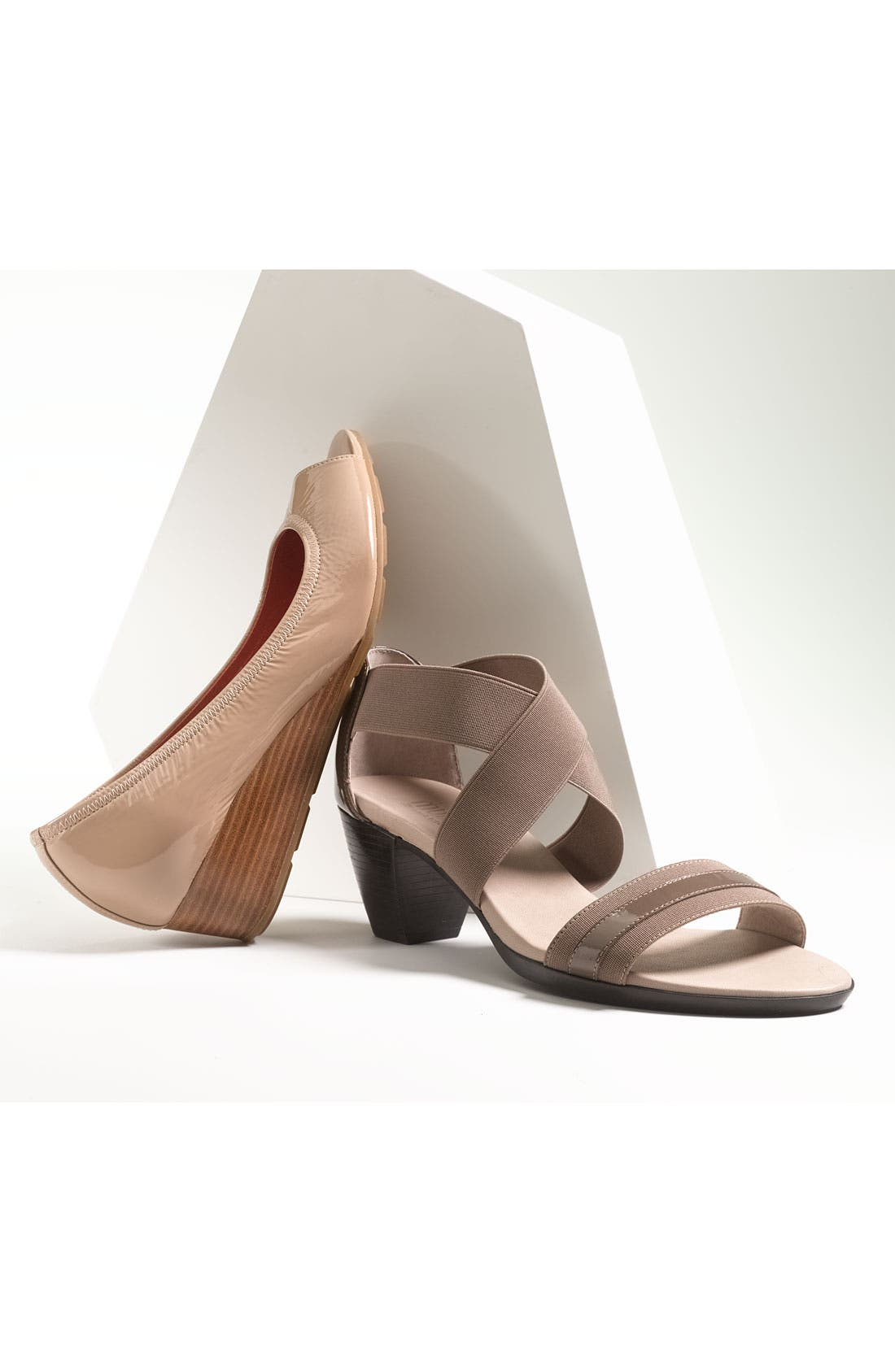 Alternate Image 5  - Munro 'Delana' Sandal