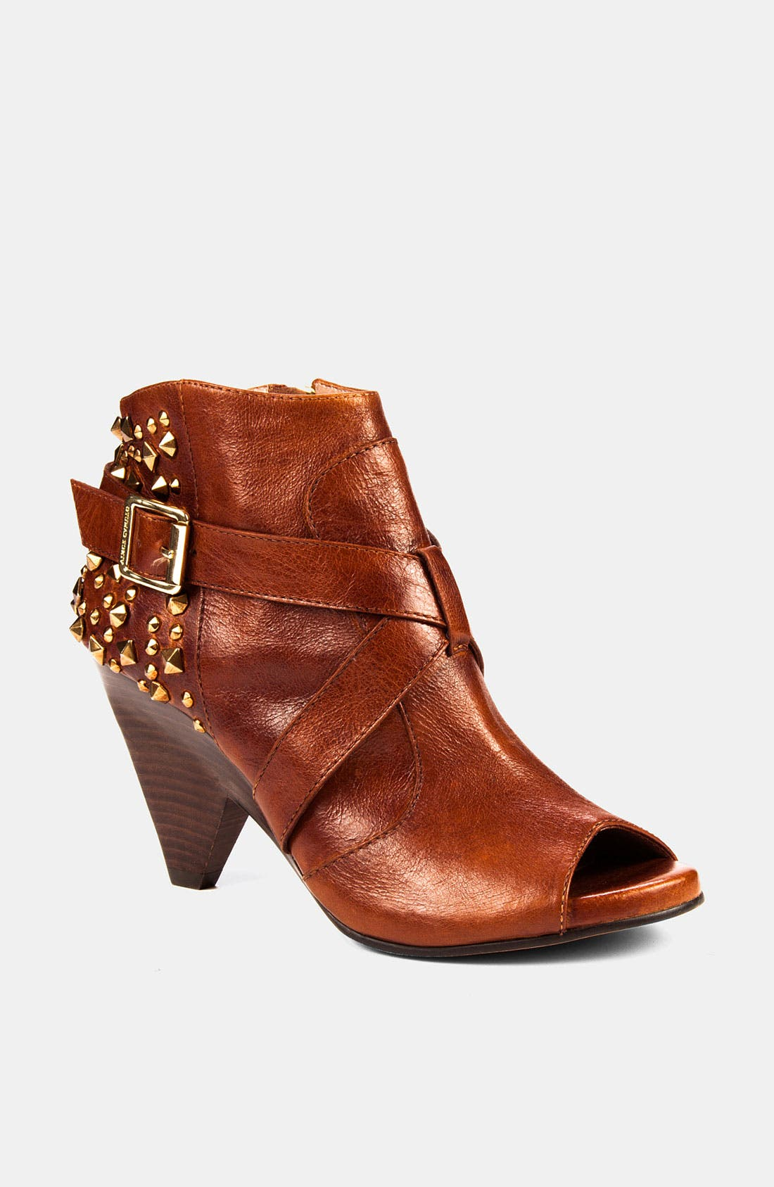 Alternate Image 1 Selected - Vince Camuto 'Padara' Bootie