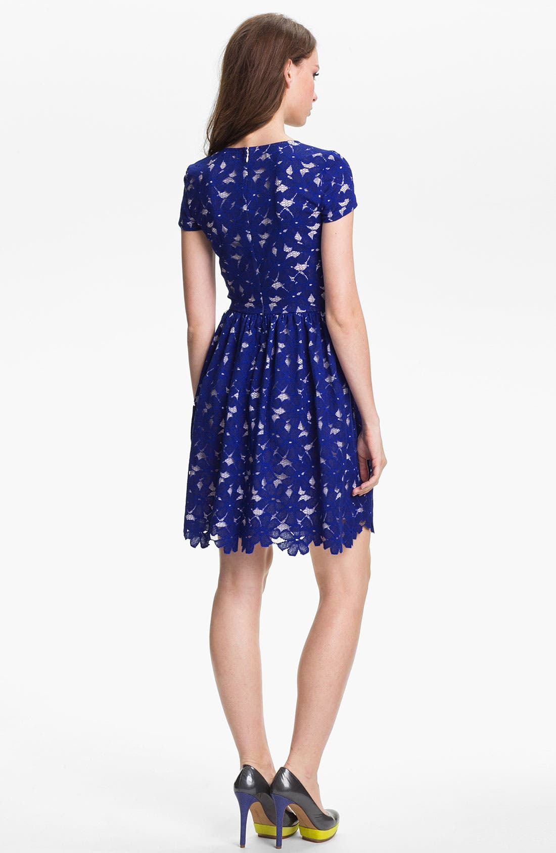 Alternate Image 2  - Vince Camuto Short Sleeve Lace Dress