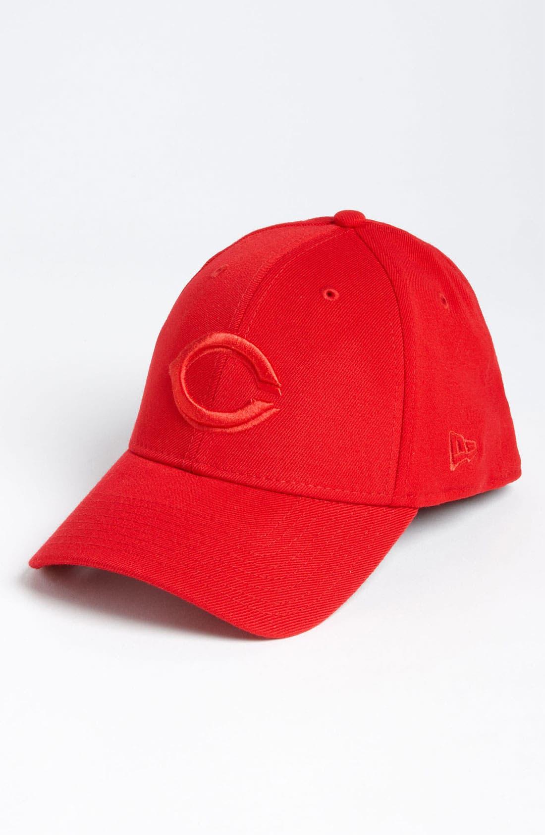 Main Image - New Era Cap 'Cincinnati Reds - Tonal Classic' Fitted Baseball Cap