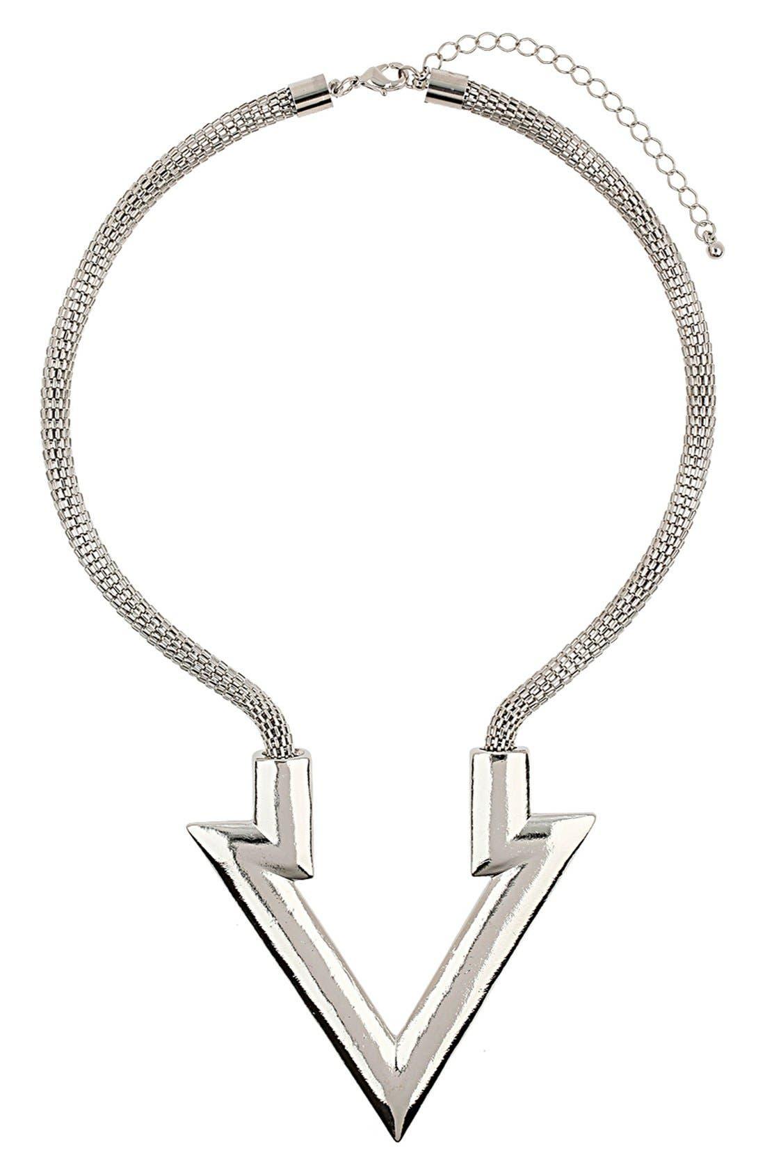 Main Image - Topshop Arrow Pendant Necklace
