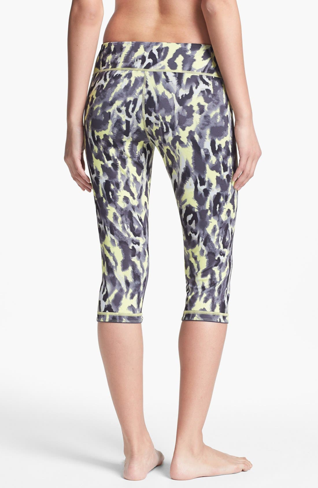 Alternate Image 3  - Zella 'Live In' Reversible Capri Leggings