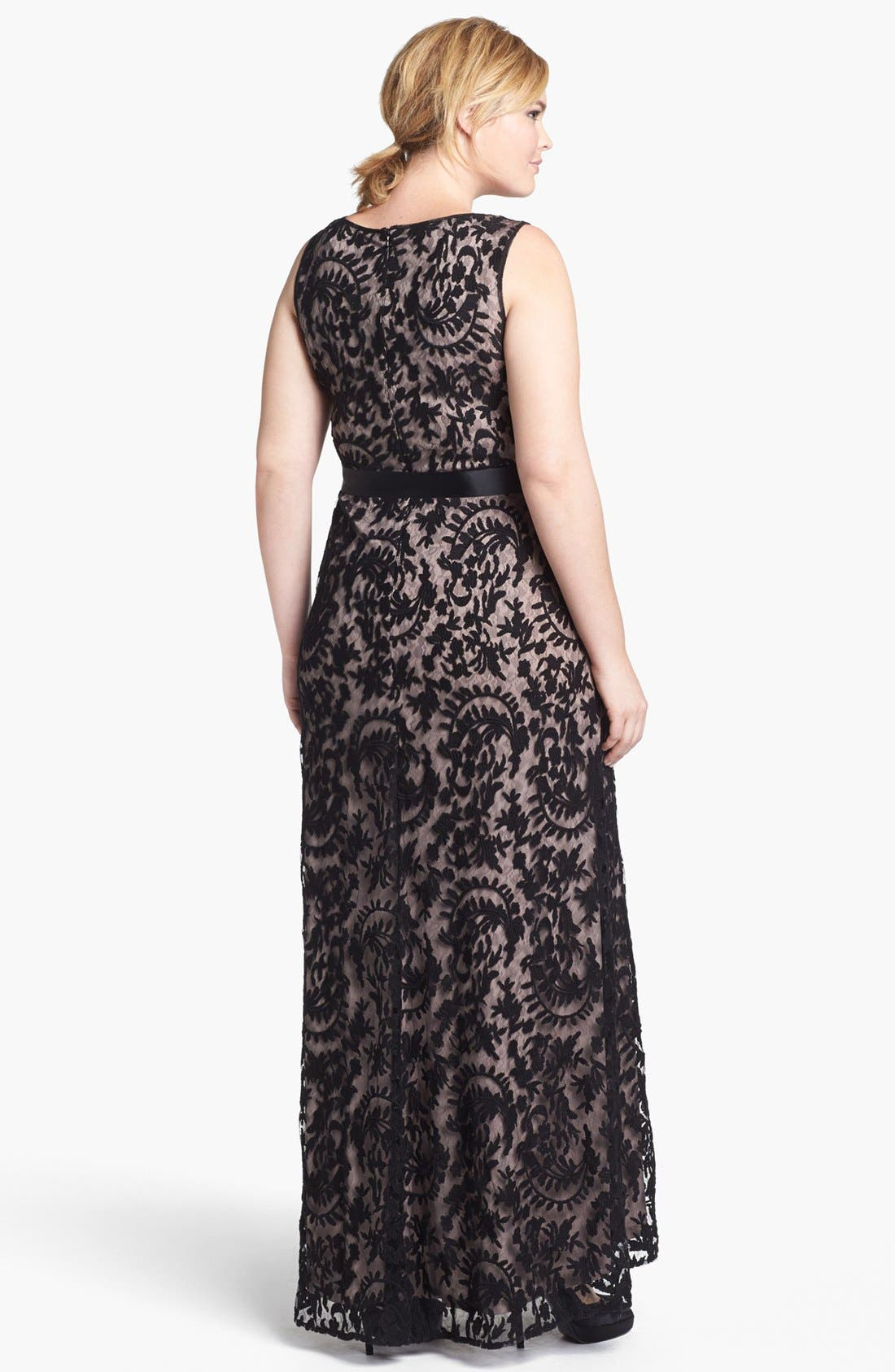 Alternate Image 2  - Adrianna Papell Lace Mermaid Gown (Plus Size)