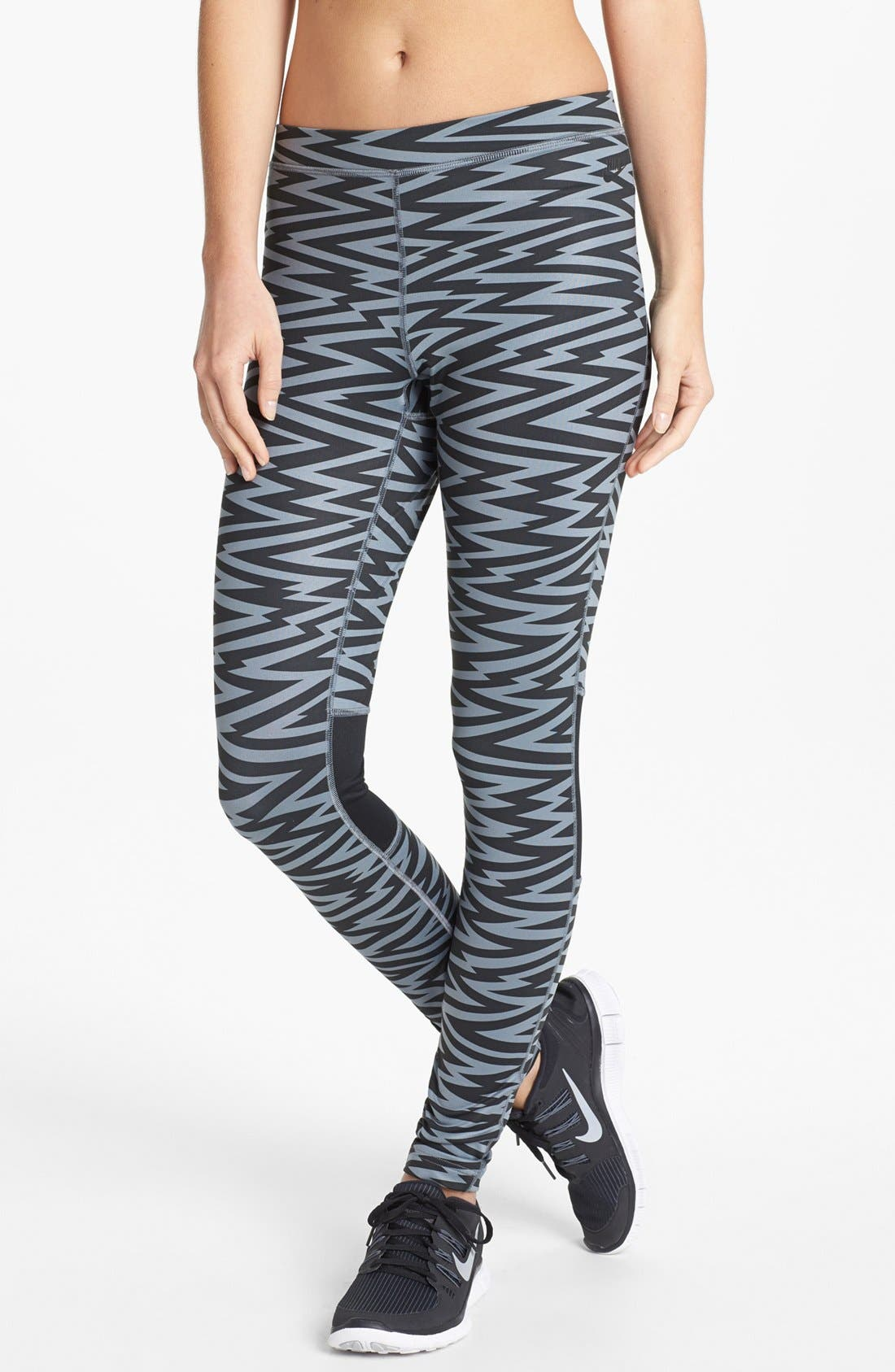 Main Image - Nike 'Amplify' Print Leggings