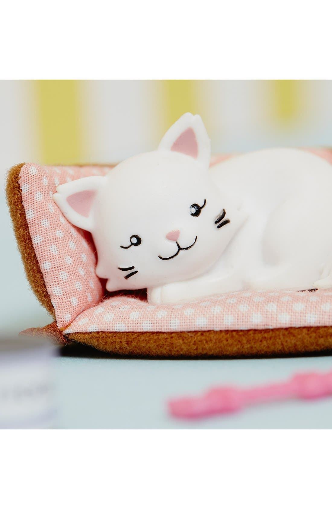 Main Image - Schylling 'Pandora the Persian Cat' Lottie™ Doll Accessory Set