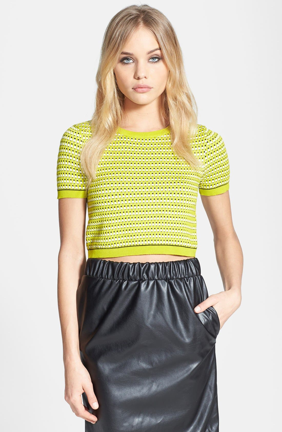 Main Image - Topshop Patterned Crop Top