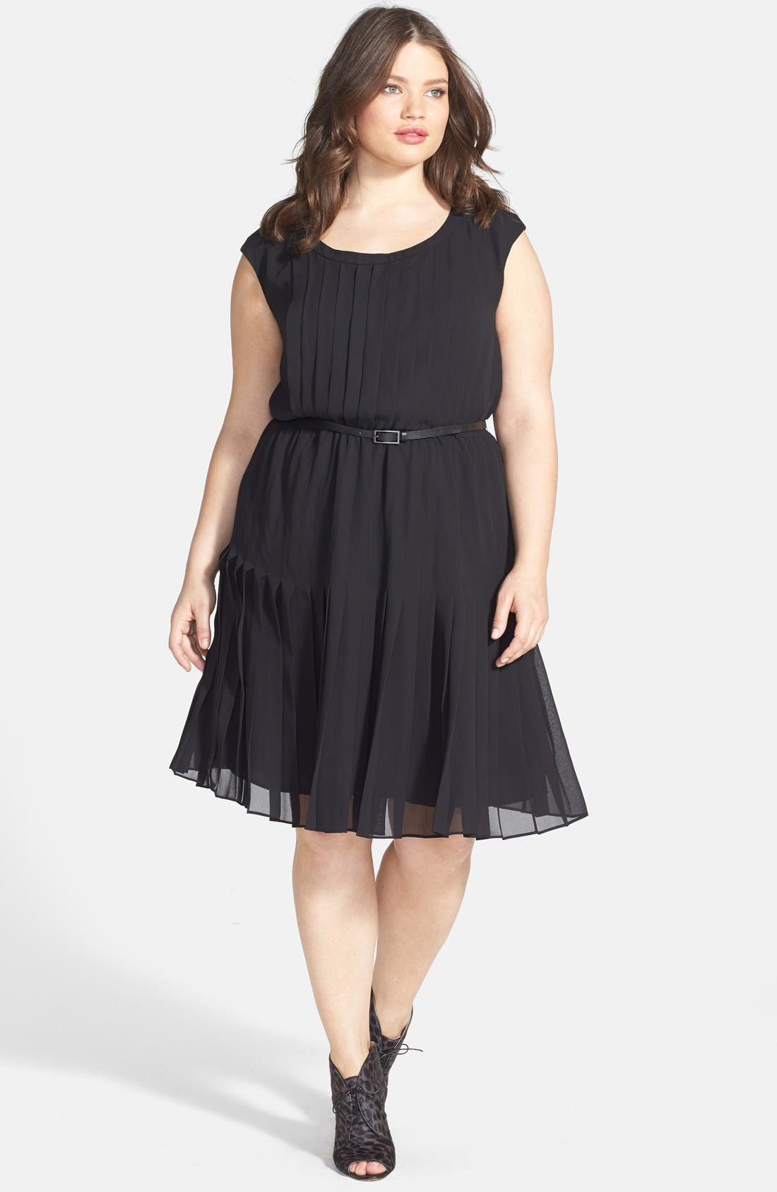 Main Image - Halogen® Belted Pleat Dress (Plus Size) (Online Only)