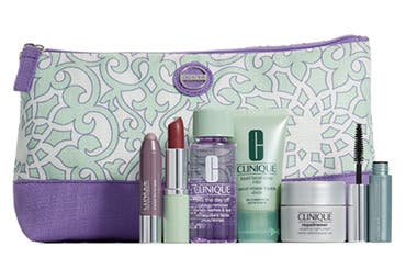 Receive a free 7-piece bonus gift with your $39.5 Clinique purchase