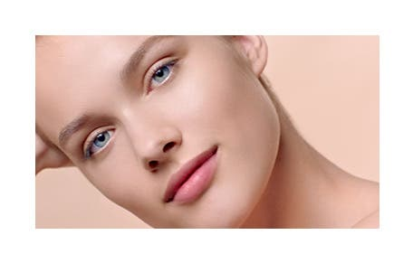 Giorgio Armani Beauty introduces Maestro Glow.