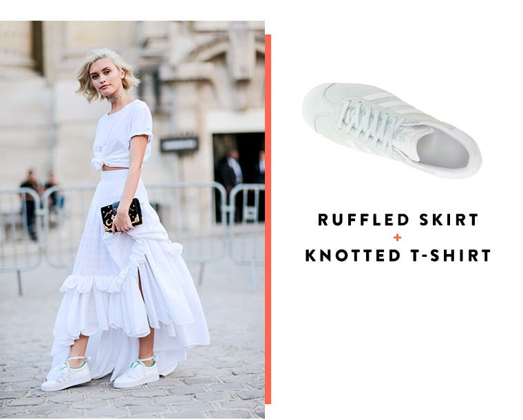 Ruffled skirt + knotted T-shirt.