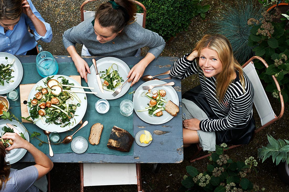Gwyneth Paltrow enjoying a picnic with friends