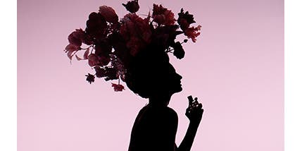 Play video about Viktor&Rolf Flowerbomb perfume.