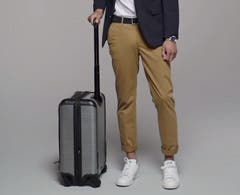 Video: What to pack for a business trip. Men's how-to video.