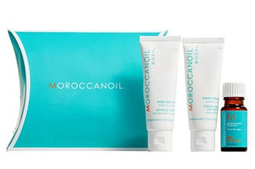 Receive a free 3-piece bonus gift with your $100 Moraccanoil purchase
