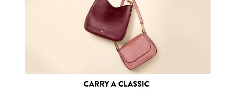 Carry a classic: the simple shoulder bag.