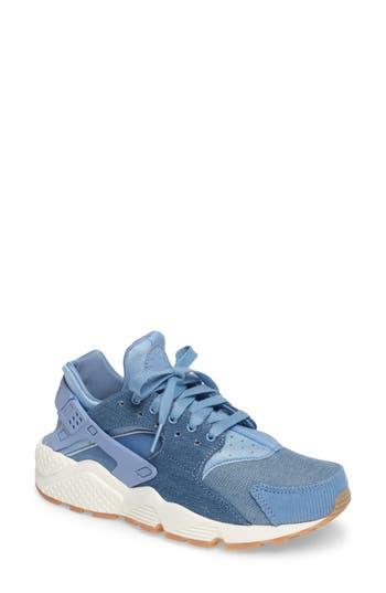 Women's Nike Air Huarache Run Se Sneaker