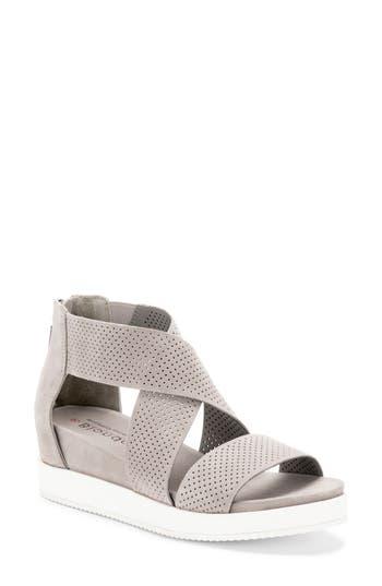 Blondo Cassie Waterproof Sandal