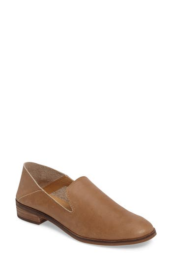 Lucky Brand Cahill Flat- Brown