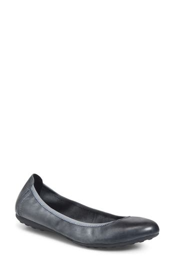 B?rn Izabella Ballet Flat, Grey