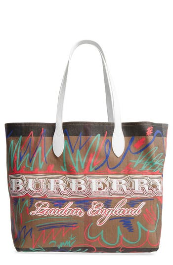 Burberry Doodletote/check Reversible Canvas Tote - White