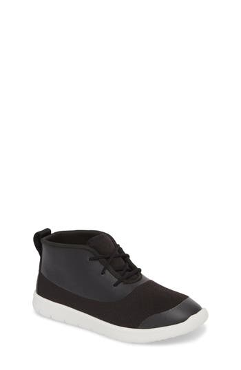Boys Ugg Seaway Chukka Boot Size 5 M  Black