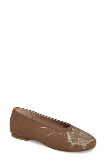 Seychelles Campfire Embroidered Flat, Brown
