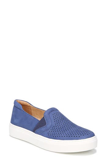 Naturalizer Carly Slip-On Sneaker, Blue