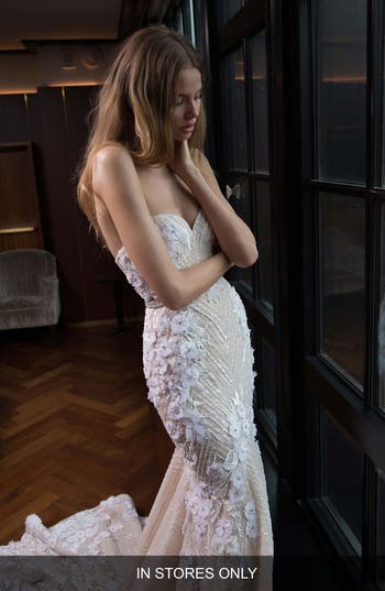 Berta Embellished Lace Mermaid Gown