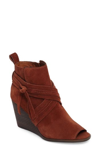 Lucky Brand Udom Wedge Bootie, Brown
