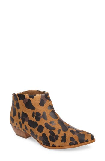 Matisse Aida Low Bootie- Brown