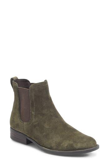 B?rn Casco Chelsea Boot, Green
