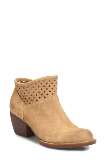 Born Winema Bootie, Beige