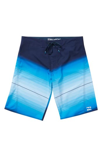 Boys Billabong Fluid X Board Shorts Size 29  Blue