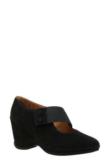 L'Amour des Pieds Oriana Wedge