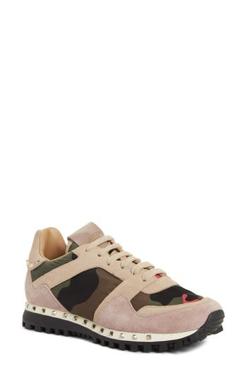 Valentino Garavani Rockstud Sneaker, Pink