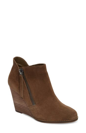Jessica Simpson Carnivela Wedge Bootie, Brown