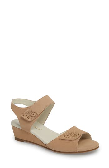 David Tate Queen Embellished Wedge Sandal N - Beige