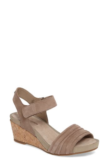 Hush Puppies Eviee Cassale Wedge Sandal, Beige
