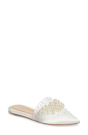 Imagine By Vince Camuto Casele Pointy Toe Mule, Ivory